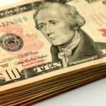 Доллар США получил небольшой подъем стоимости от обвала на Уолл-стрите